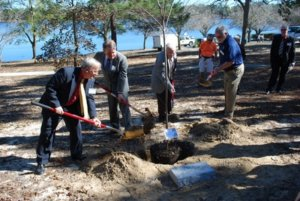"""CHRISTOPHER MITCHELL,  JERRY """"THE BEAVE"""" MATHERS, Dennis Ray and Mayor Bob Campbell plant a tree in the lakeyard, one of many events at the Florida Chautauqua 2016 Assembly, Jan. 28 - 31, in DeFuniak Springs. (Photo by By Jeffrey Powell)"""